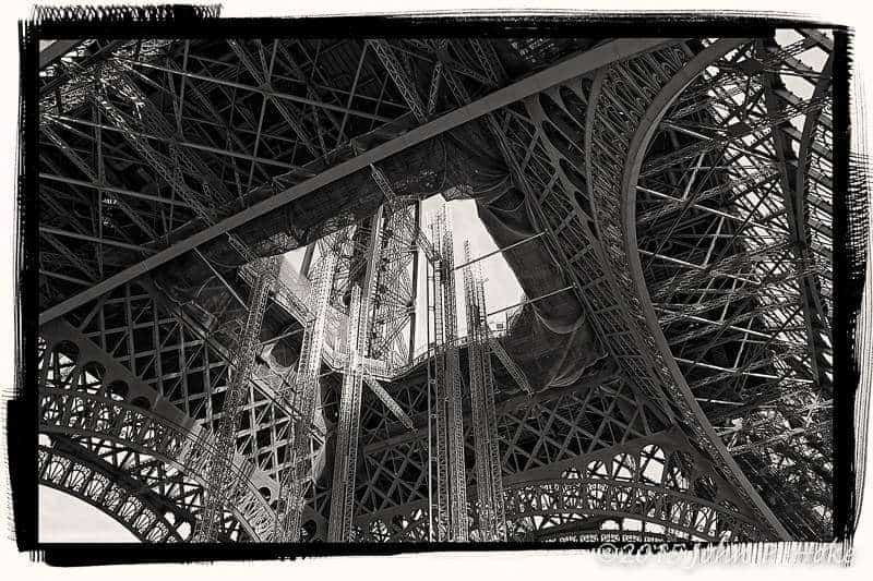 Eiffel_Tower_-_Metal_Rain_-_April_-_2013